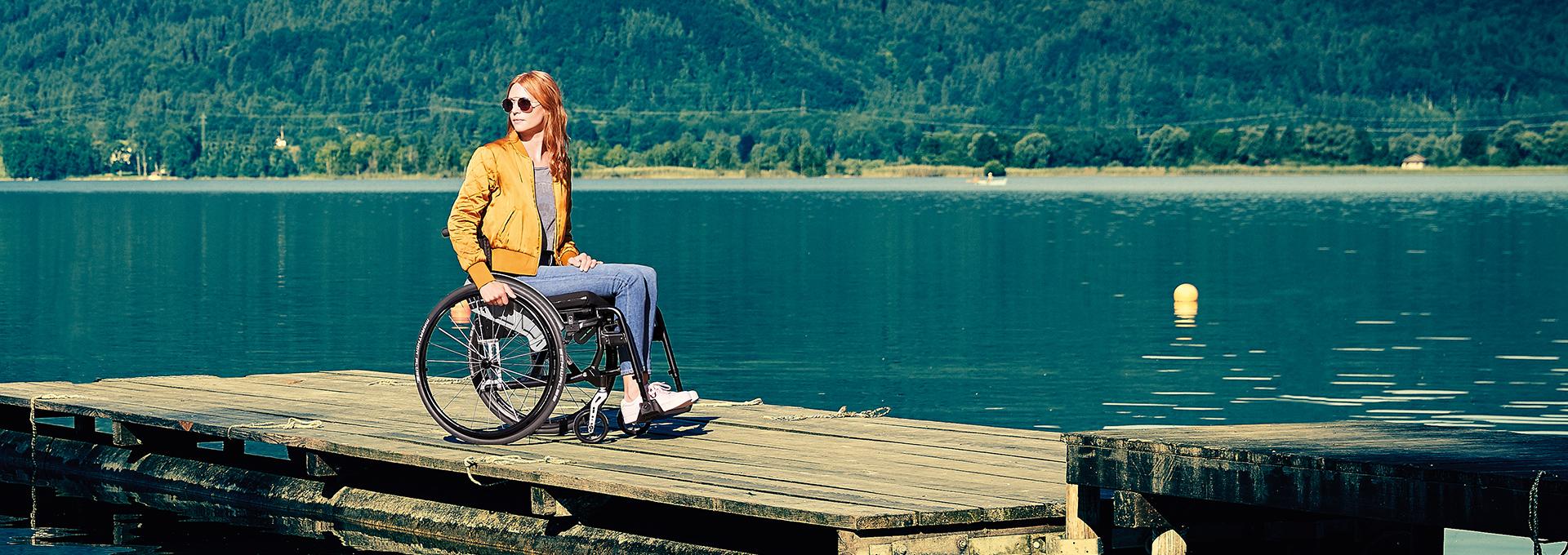 DIETZ_Bild_Rollstuhl_AS01_See_Frau_01